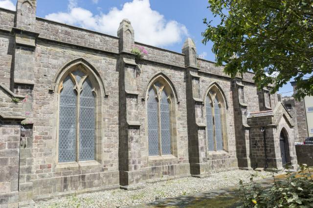 Church of St Mary, Caernarfon, Gwynedd Caernarfon_DSC7785_521.jpg Photo © Martin Crampin