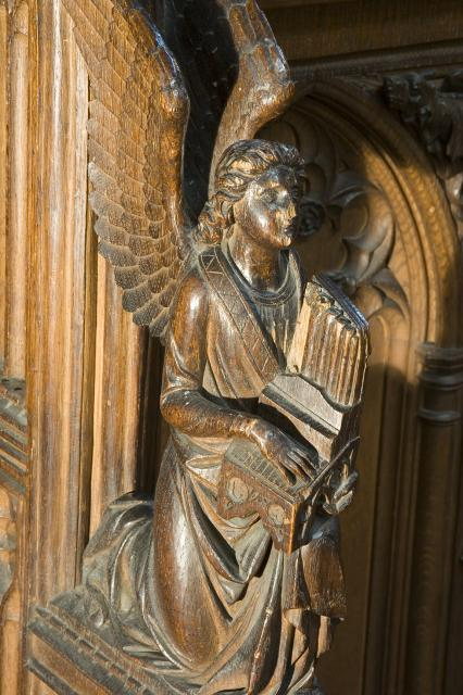 Angel Playing an Organ    from    Musical Angels