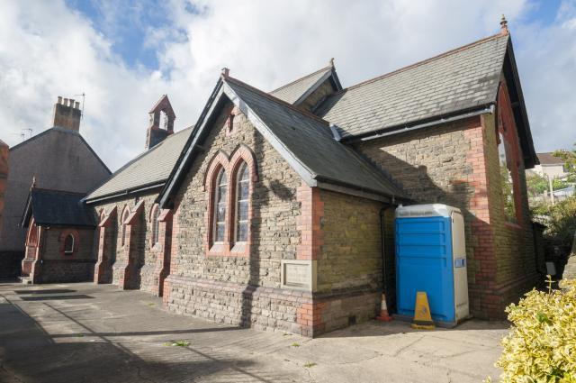 Church of All Saints, Cwmffrwdoer, Pontnewynydd, Torfaen Cwmffrwdoer_DSC0044C.jpg Photo © Martin Crampin